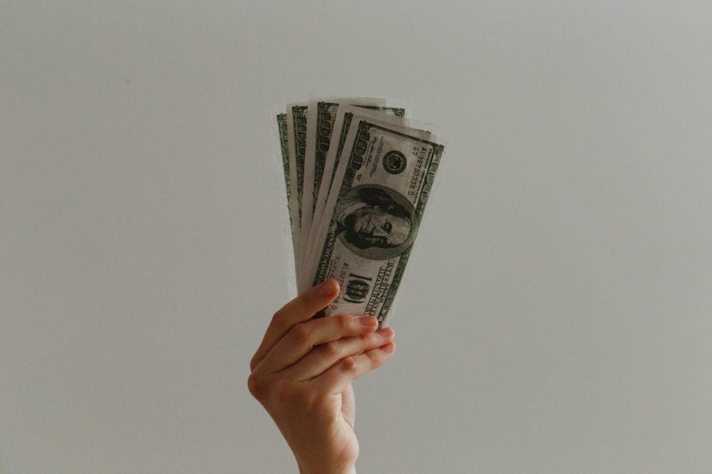 Contratar una tarifa eléctrica adecuada evitará que pagues de mas en tu factura.