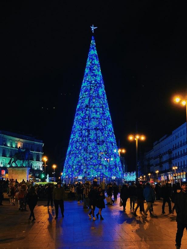 La Plaza Mayor acoge el mercadillo más importante de nuestra bella ciudad.