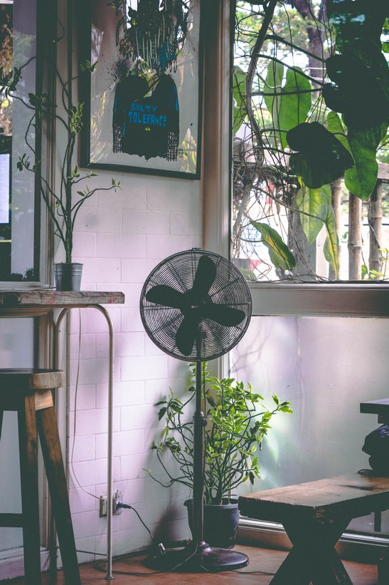 Ventiladores para mantener fresquito tu piso en Madrid este verano